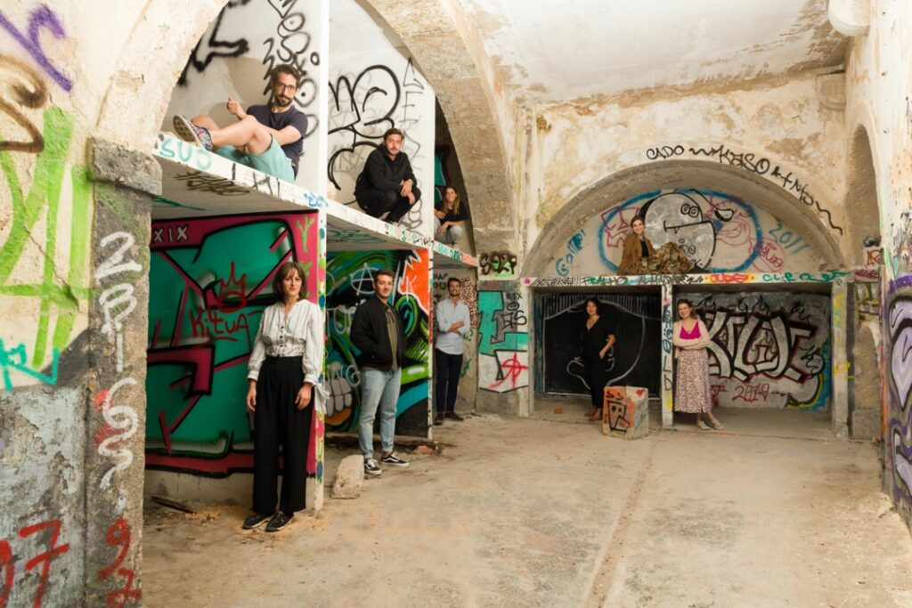 Art Curator Grid Team
